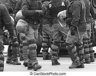 制御, サポータ, 警官, 計画, の間, 戦争