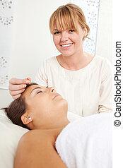 刺鍼療法, 美顔術