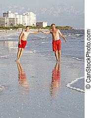 前方へ, ジョッギング, 浜, ティーネージャー, 楽しむ