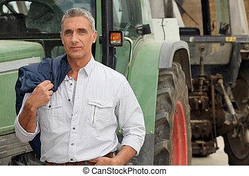 前部, 彼の, ポーズを取る, トラクター, 農夫
