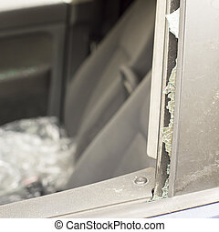 前部, 車。, 窓, ドア, 打ち壊された
