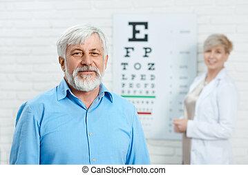 前部, ophthalmologist., とどまること, 患者, 古い