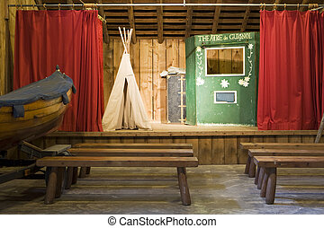劇場, ∥において∥, フランス語, キャンプ
