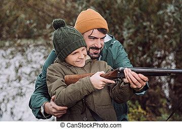 助力, 狙いを定める, 父, 銃, 息子