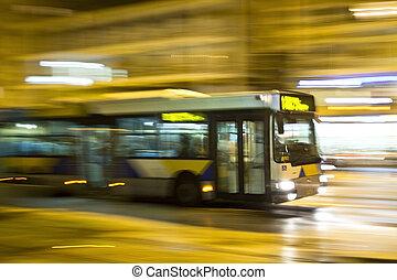 動き, ぼんやりさせられた, バス