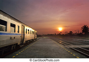 動くこと, 列車, 日没