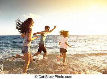 動くこと, 浜, 家族, 幸せ