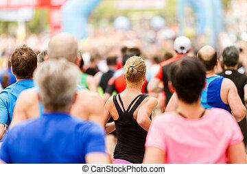動くこと, 群集, マラソン