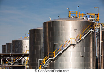 化学物質, 工場