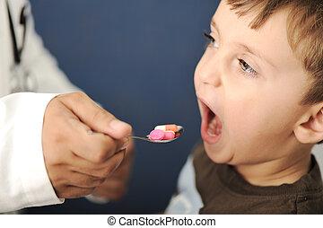 医生, 给, 勺子, 孩子, 药丸, 装满
