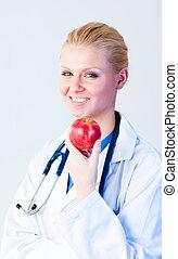 医者, リンゴを持つ, ∥で∥, フォーカス, 上に, 人