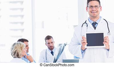 医者, 保有物, デジタルタブレット, ∥で∥, 同僚, 中に, ミーティング