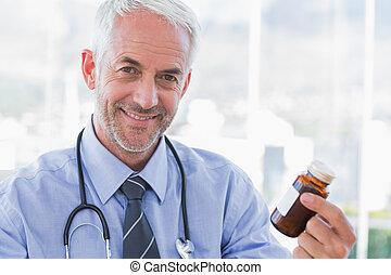 医者, 保有物, 薬, 微笑, ジャー