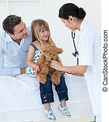 医者, 女の子, 女性, 耳, 微笑, 点検