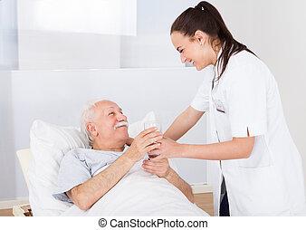 医者, 寄付, 水 ガラス, 年長 人