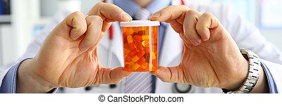 医者, 手, 提供, 保有物の丸薬, ジャー, 患者, マレ, 薬