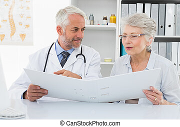 医者, 読書, 患者, オフィス, 報告, 医学