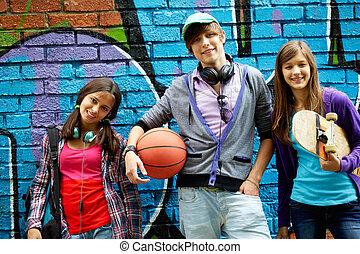 十代の若者たち, グループ