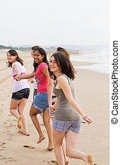 十代の若者たち, 動くこと