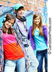 十代の若者たち, 味方