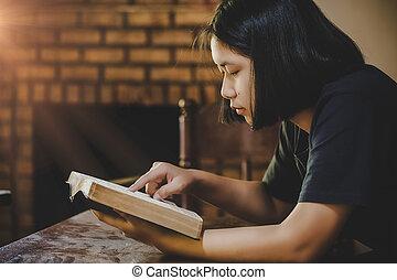 十代, キリスト教徒, bible., 読書, 女の子