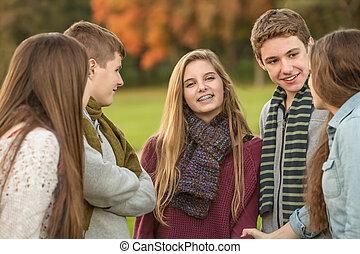 十代, 微笑, 友人, 女の子