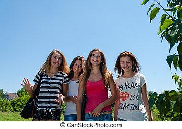 十代, 青, モデル, 空, 女の子, 一緒に, 4, に対して, 幸せ