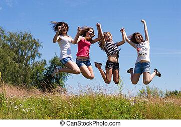十代, 青, 4人の少女たち, 空, に対して, 高い跳躍, 友人, 幸せ