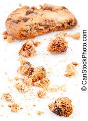 半分, クッキー, ぼんやりさせられた, 食べられた
