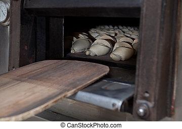 半分, パンを焼いた