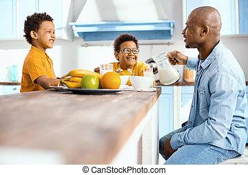 単一親 家族, 朗らかである, 計画, 論じる, 日