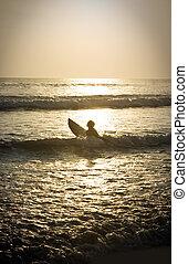 単独で, 日没, サーファー