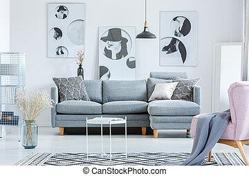 単純である, 反響室, ∥で∥, 絵画