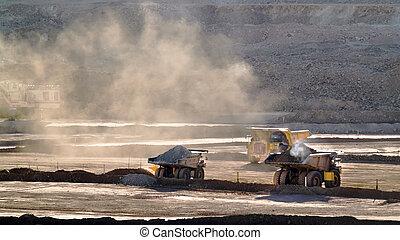 卡車, 工作, 在, a, 礦