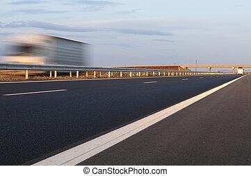 卡車, 旅行, 在, 高速公路