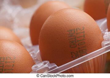 卵, 包むこと