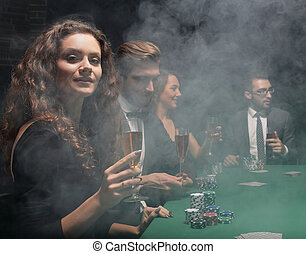 友人たちのグループ, モデル, ∥において∥, ゲーム, テーブル, 中に, カジノ