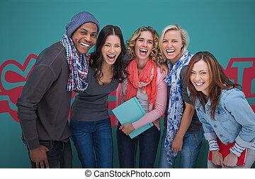 友人, グループ, 微笑, ポーズを取る