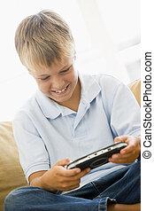 反響室, 男の子, 若い, ハンドヘルド, ゲーム, ビデオ, 微笑