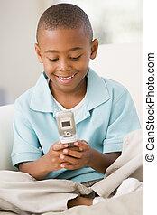 反響室, 男の子, 若い, 電話, 細胞, 使うこと, 微笑