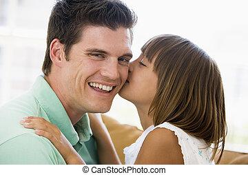 反響室, 若い, 接吻, 女の子の微笑, 人