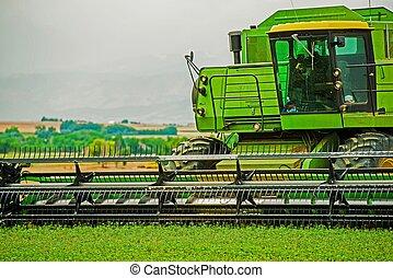 収穫機, クローズアップ