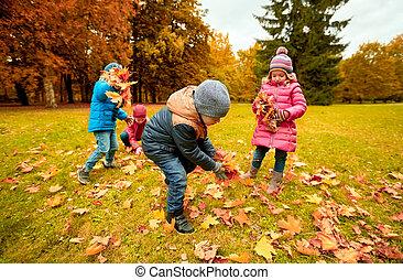 収集, グループ, 葉, 公園, 秋, 子供