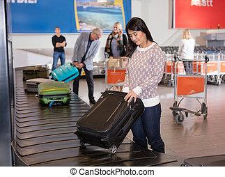 収集, 女, 手荷物, コンベヤー, 空港, ベルト