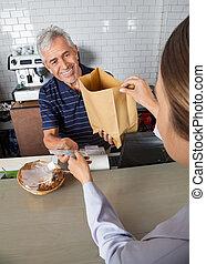 収集, 顧客, 食料雑貨, 現金, 袋, 間, 渡ること, セールスマン