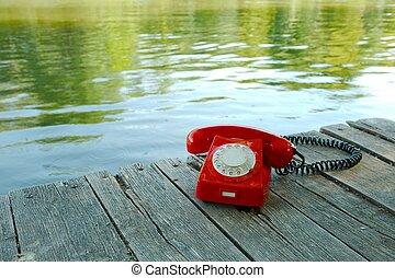 古い電話, 中に, 自然