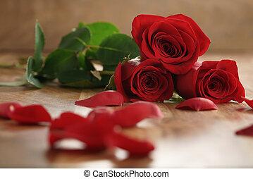 古い, ばら, 3, 花弁, 木, テーブル, 赤