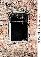 古い, れんが, 台なし, それ, remained, から, ∥, 歴史的, house., 空, 窓。