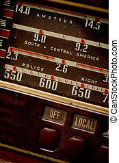 古い, ラジオ