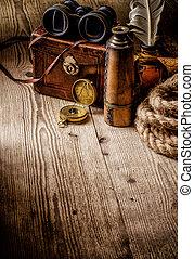 古い, 木製である, 型, 双眼鏡, コンパス, レトロ, テーブル。, spyglass